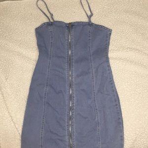 Denim  dress! W functioning zipper in middle